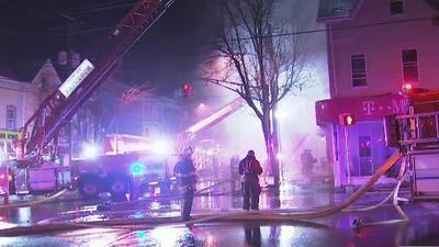 Al menos 10 personas quedaron sin vivienda tras el incendio en un edificio en Nueva Jersey