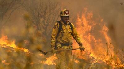Emiten orden de evacuación inmediata por incendio en Riverside