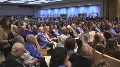 La comunidad de Sacramento recuerda a las víctimas del atentado en una sinagoga de Pittsburgh