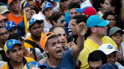 Venezuela on the verge of dictatorship: Can dialogue or demonstrations turn it around?