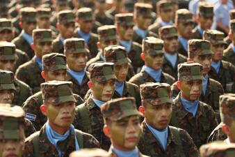 En fotos: El Salvador despliega a 1,000 soldados para quitar a las maras el control de cinco ciudades