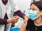 Condado Travis realizará clínica de vacunación por auto servicio para incluir a niños de 12 a 15 años