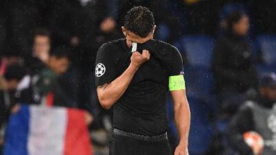 """Thiago Silva pide a los aficionados del PSG: """"Perdónenos"""""""