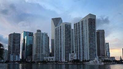 Cielos parcialmente nublados y algunas lluvias aisladas le esperan a Miami durante este martes