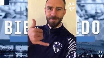 ¡Oficial!: Miguel Layún ya firmó contrato con el Monterrey