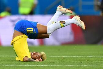 La decadencia de Neymar de ídolo a burla mundial: crónica de una caída anunciada