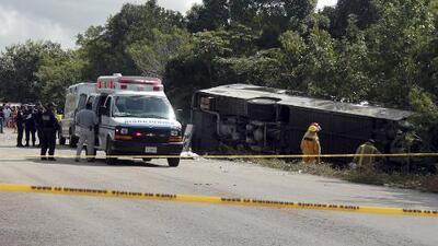 Ocho estadounidenses entre los muertos del accidente de un bus turístico en la Riviera Maya