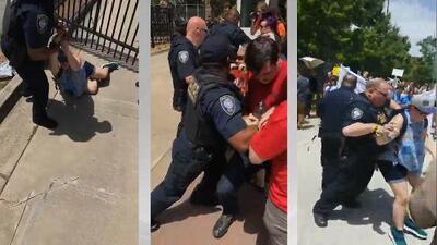 Protesta contra ICE se sale de control y termina con forcejeos y arrestos