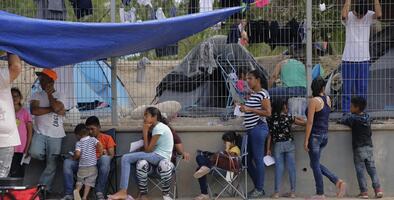Tras aumento sin precedentes en las solicitudes de refugio y asilo, el gobierno de México pide a empresas que les ofrezcan empleo