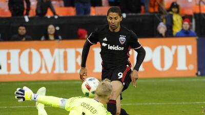 DC United golea 4-0 a Whitecaps con goles de Espíndola y Saborio