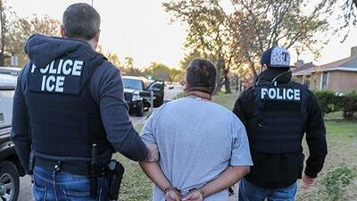 Lanzan campaña para que ICE libere a 54 trabajadores detenidos durante redada de ICE en Tennessee