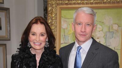 Se destapa Gloria Vanderbilt, madre de Anderson Cooper