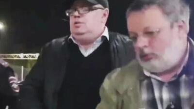 Causa indignación la reacción de un pasajero del avión ruso accidentado: bloqueó la salida y exigió reembolso