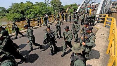Actividad militar de Venezuela en la frontera con Colombia aumenta la tensión entre los dos países