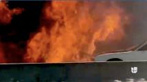 Video capta explosión de automóvil en autopista del Metroplex