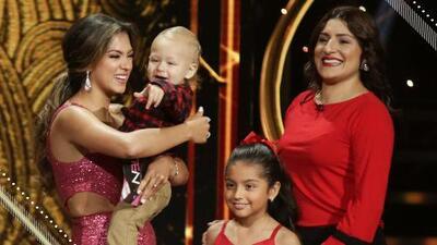 El más tierno momento: los hijos y hermana de Yaritza Owen la sorprenden en el escenario de NBL