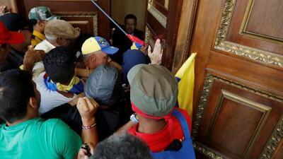 Diputado herido en Venezuela habla de las agresiones que recibió por parte de seguidores de Maduro