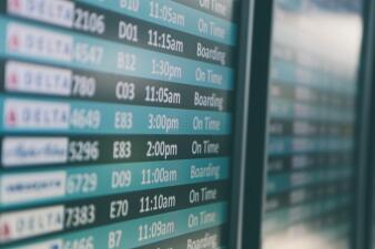 ¿Cuándo debes reservar vuelos para el Día de Acción de Gracias y Navidad?