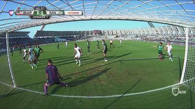 Orozco mostró sus grandes reflejos y evitó el gol de Lobos