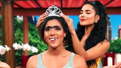No busquen más: Mela la Melaza fue coronada por Alejandra Espinoza como reina de Nuestra Belleza Latina