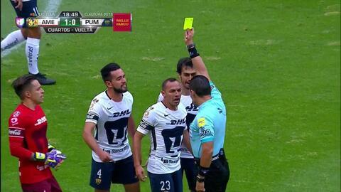¡Tarjeta Roja! Marcelo Díaz recibe la segunda amarilla y se va del juego