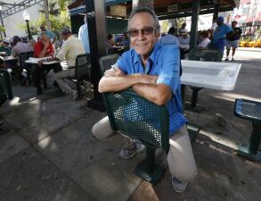 El fotógrafo que supo retratar Miami y sus historias, como la del rescate del balserito cubano Elián González