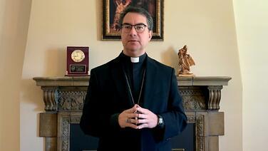 El obispo de San José, bajo investigación de El Vaticano por su manejo de los casos de abuso sexual