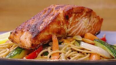 Receta de salmón al ajillo con pasta integral: un platillo nutritivo y bajo en grasa