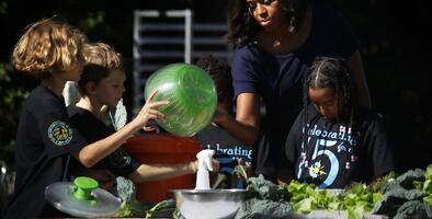 Michelle Obama viajará a Catar y Jordania para promover educación de niñas