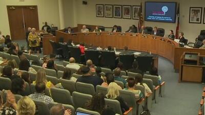 Aumentos salariales para maestros: Distrito Escolar de Fort Worth aprueba modificaciones al presupuesto de 2019-2020