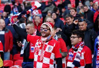 Por todo o nada: los fanáticos ingleses y croatas listos para el duelo en la UEFA Nations League