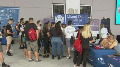 Instituciones educativas de Miami-Dade instan a sus estudiantes a que se registren como votantes