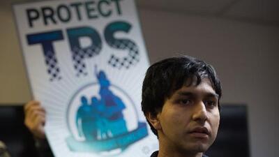 """Alguacil del condado Harris: """"Fin del TPS a salvadoreños va a dividir familias"""""""