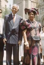 La controvertida vida de Winnie Mandela