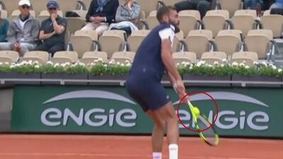 ¿Dónde quedó la bolita? En pleno Abierto de Francia, jugadores, jueces y aficionados viven curioso momento