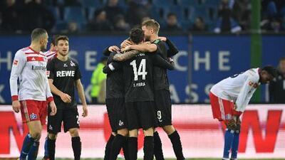 Colonia vence al Hamburgo en duelo de sotaneros en la Bundesliga