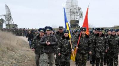 Tropas rusas lanzan primeros disparos en Crimea