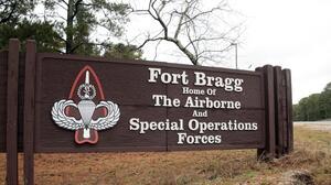 Hallan muertos a dos soldados en base militar de Carolina del Norte
