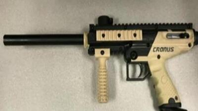 'Los Ángeles en un Minuto':  arrestan a tres sospechosos de atacar con rifles de pintura a varios transeúntes