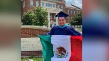 Padres en el norte de Texas expresan su orgullo por sus hijos graduados