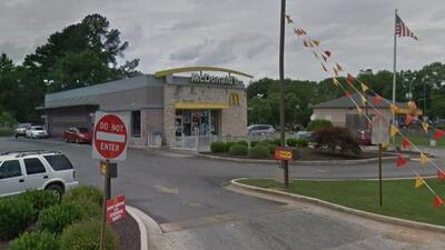Empleado de McDonald's de Georgia tenía hepatitis; urgen a clientes a vacunarse