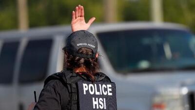 Redada en Mississippi no fue una sorpresa: ICE reportó inconsistencias en identidades de trabajadores