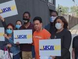 Trabajadores de NY denuncian pérdida de beneficios laborales tras retornar a sus empleos