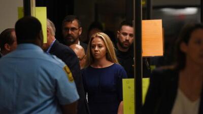Amber Guyger no se preocupó por el estado de la víctima: el argumento de la fiscalía en el primer día de juicio