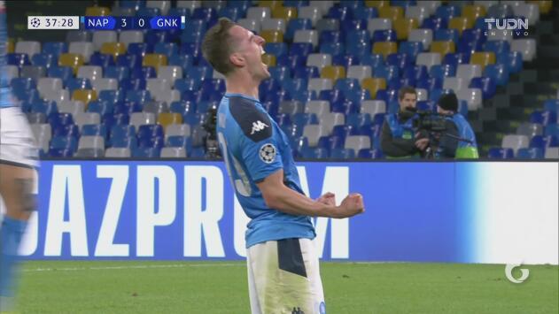Los goles de Milik que tiene al Napoli en los Octavos de Final de la Champions