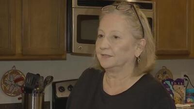 Quedarse sin energía eléctrica por el paso de Dorian es la principal preocupación de esta familia en Florida