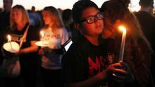 A tres años de la masacre de Parkland, Biden pide una reforma urgente a la venta de armas