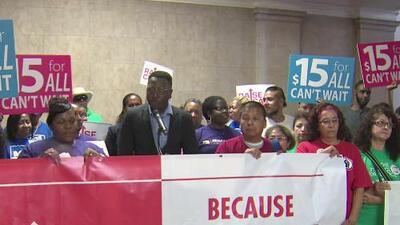 Exigen la aprobación de ordenanza que elevaría el salario mínimo en Chicago