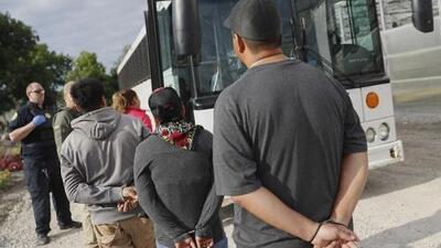 ICE arrasa con empresas en Nebraska y Minnesota, arrestando a más de 144 empleados