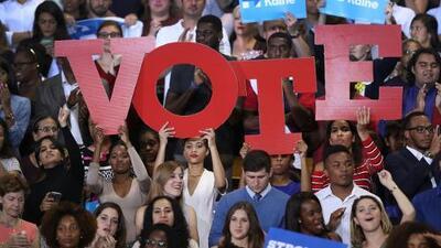 La batalla por Florida: Clinton y Trump se esfuerzan por buscar los pocos miles de votos que definirán la victoria